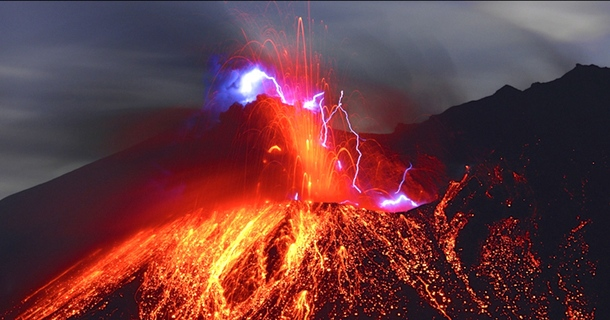 This Photographer Takes Breathtaking Pictures Of Volcanoes Erupting